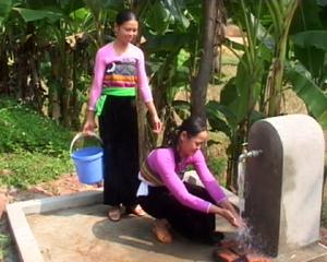 Công trinh nước sạch xã Bao La (Mai Châu) cung cấp nước sạch hợp vệ sinh cho người dân trong xã.