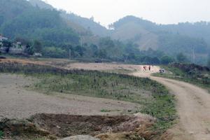 Đường cao tốc Hòa Lạc - thành phố Hòa Bình đã thực hiện giải phóng mặt bằng được khoảng 30% khối lượng.