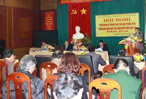 """Đồng chí Bùi Văn Cửu, Phó Chủ tịch TT UBND tỉnh, Trưởng ban chỉ đạo """"Phong trào toàn dân đoàn kết xây dựng đời sống văn hoá"""" phát biểu chỉ đạo hội nghị."""