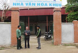 Nhà văn hóa tiểu khu 6, thị trấn Mường Khến được xây dựng khang trang, là nơi sinh hoạt văn hóa, tinh thần của người dân.