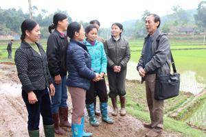 TS Đinh Văn Toàn, Chủ nhiệm đề tài - Viện địa chất thuộc Viện Hàn lâm khoa học và Công nghệ Việt Nam trao đổi về một số nguyên nhân gây hiện tượng sụt đất với các hộ dân bị ảnh hưởng.