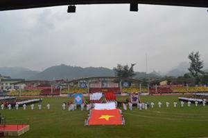 Toàn cảnh sân vận động tỉnh tại buổi tổng duyệt.