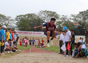 VĐV thi đấu môn điền kinh tại HKPĐ tỉnh lần thứ VII - năm 2014.