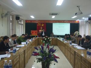 Đồng chí Bùi Văn Cửu, Phó Chủ tịch TT UB ND tỉnh phát biểu tại hội nghị.