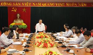 Đồng chí Bùi Văn Tỉnh, UV T.Ư Đảng, Bí thư Tỉnh ủy, Chủ tịch HĐND tỉnh phát biểu kết luận hội nghị.