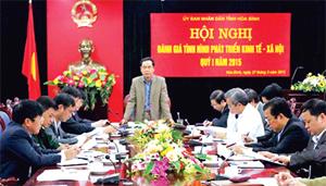 Đồng chí Nguyễn Văn Quang, Chủ tịch UBND tỉnh phát biểu kết luận hội nghị.