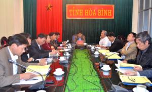 Tham gia hội nghị tại điểm cầu Hoà Bình có đồng chí Nguyễn Văn Dũng, Phó Chủ tịch UBND tỉnh cùng lãnh đạo các sở, ngành liên quan.