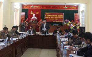 Đồng chí Bùi Văn Cửu, Phó Chủ tịch TT UBND tỉnh, Trưởng Ban chỉ đạo thực hiện BHYT toàn dân phát biểu tại buổi làm việc.