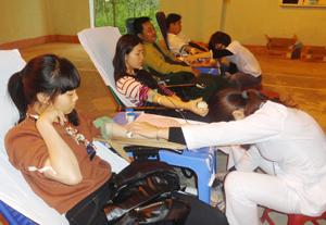 Trong đợt I năm 2016, huyện Lạc Sơn đã vận động thu được 441 đơn vị máu.