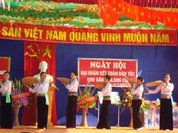Làng văn hóa xóm Cời, xã Tân Vinh quan tâm giữ gìn bản sắc VHDT qua phong trào văn hóa văn nghệ
