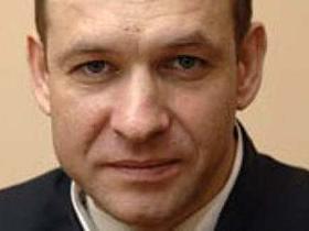 Thẩm phán Eduard Chuvashov...