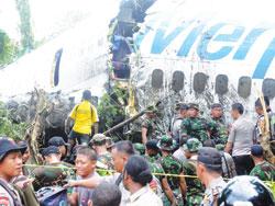 Hiện trường vụ tai nạn của chiếc máy bay Boeing 737