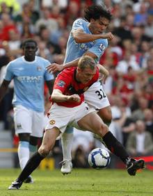 Tevez (32) đã 3 lần phá lưới M.U mùa này tại Cúp Liên đoàn Anh.