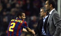 Guardiola từng đụng độ Mourinho ở vòng đấu bảng Champions League năm nay