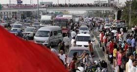 Giao thông ở nhiều tuyến dẫn vào Bangkok hỗn độn vì