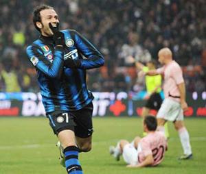 Pazzini (7) là mối lo ngại của AC Milan trong trận đấu tới.