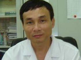 Phó giáo sư, tiến sĩ Mai Trọng Khoa, Phó giám đốc Bệnh viện Bạch Mai, Giám đốc Trung tâm Y học hạt nhân và Ung bướu bệnh viện Bạch Mai