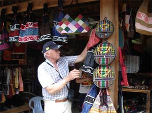 Nhờ đẩy mạnh các hoạt động quảng bá du lịch, trong quý I/ 2011, huyện Mai Châu đã đón gần 4.000 du khách quốc tế.