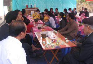 Nhiều KDC ở Lạc Thuỷ đã tổ chức đám cưới, đám hỏi theo nếp sống mới, đơn giản, tiết kiệm. (Ảnh minh hoạ)