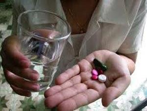 Lạm dụng thuốc ở cả bệnh nhân và bác sĩ đã khiến tình trạng kháng kháng sinh gia tăng ngày càng nhiều
