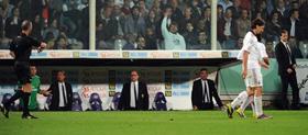 Tính khí thất thường và thiếu kiềm chế của Ibrahimovic một lần nữa đẩy Milan vào thế kẹt