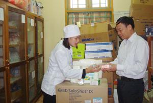 Trung tâm YTDP huyện Yên Thủy chủ động nguồn vật tư thiết yếu để phòng - chống dịch cúm A/H1N1