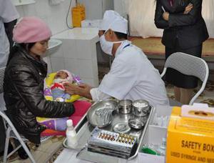 Tiêm vaccin cho trẻ ngay sau khi sinh là biện pháp hữu hiệu phòng bệnh viêm gan B.