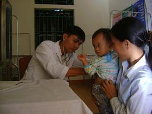 Trạm y tế xã Tân Phong (Cao Phong) đạt chuẩn quốc gia về y tế  xã đã góp phần nâng cao chất lượng khám chữa bệnh ban đầu cho nhân dân.