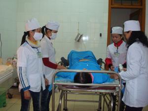 Phụ nữ mang thai ở thị trấn Chi Nê (Lạc Thuỷ) được quan tâm thăm khám định kỳ.