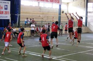 Trận thi đấu giữa đội xã Sủ Ngòi và P. Tân Thịnh được đánh giá cao tại giải.