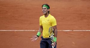 Nadal vẫn bất bại trên sân đất nện