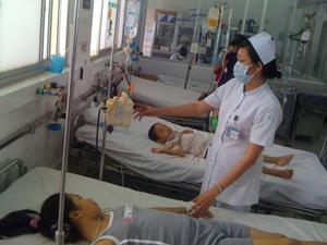 Bệnh nhi điều trị cảm cúm tại Bệnh viện Nhi Đồng 2 - TPHCM