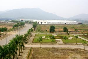 Khu công nghiệp Lương Sơn được đầu tư hạ tầng kỹ thuật đồng bộ sẵn sàng thu hút các nhà đầu tư thứ phát. Ảnh: L.C