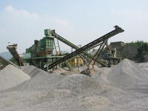 Hoạt động khai thác vật liệu xây dựng tại xóm Yên Bình, xã Đoàn Kết đảm bảo các quy định về ATVS lao động và quản lý, sử dụng vật liệu nổ.