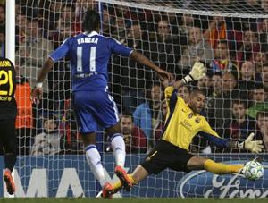 Chỉ cần 1 cơ hội Chelsea lập tức ghi bàn