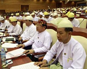 Quang cảnh phiên họp Quốc hội Myanmar ngày 23/4/2012