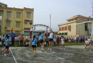 Một trận thi đấu ở nội dung bóng chuyền nữ tại giải.