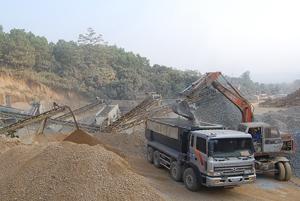 Hầu hết các DN khai thác, chế biến khoáng sản trên địa bàn huyện Lương Sơn không chấp hành nghiêm túc cam kết bảo vệ môi trường.