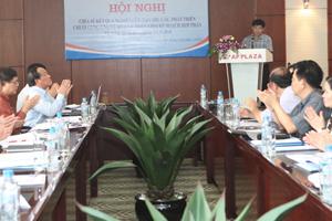 Đồng chí Nguyễn Văn Dũng, Phó Chủ tịch UBND tỉnh phát biểu tại hội thảo.