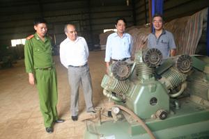 Đoàn kiểm tra liên ngành kiểm tra xưởng sản xuất chè của Công ty TNHH Tùng Lâm.