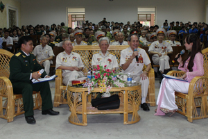 Các đại biểu tham gia buổi toạ đàm. Ảnh: M.Tuấn.