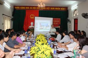 Bà Deborah Leaver - Giám đốc quốc gia của ChildFund Việt Nam phát biểu tại cuộc họp.