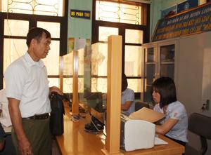 Hộ kinh doanh, doanh nghiệp làm thủ tục đóng BHXH  cho người lao động tại BHXH huyện Lương Sơn.