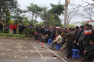 Giải bắn nỏ - kéo co - đẩy gậy huyện Cao Phong năm 2016 đã thu hút 100% xã, thị trấn tham gia.