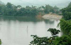 Hồ Tày Măng (TT Đà Bắc) sau khi hoàn thiện tích trữ ước khoảng 400.000m3 nước cung cấp cho sản xuất nông nghiệp.