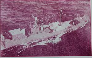 Tàu C121 trong chuyến trinh sát Trường Sa, tháng 9.1971 và ông Trần Phấn hiện nay (ảnh dưới) Ảnh: tư liệu Lữ đoàn 125 - M.T.H