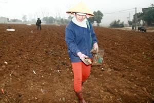 Đồng bào DTTS xã Cao Sơn (Đà Bắc) được sự quan tâm hỗ trợ nhiều về đời sống vật chất, có điều kiện thúc đẩy sản xuất, tăng thu nhập cho gia đình.