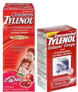 Khách hàng từng phản ánh thấy các hạt màu đen và sậm màu trong dung dịch trị cảm lạnh Tylenol