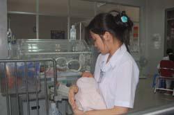 Rất đông trẻ em phải nhập viện tại Bệnh viên Đa khoa tỉnh