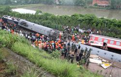 Đoàn tàu bị trật đường ray ở tỉnh Giang Tây, Trung Quốc.